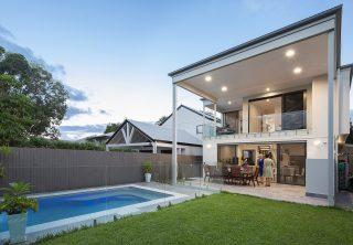 Graceville's Tropical Small Lot – Brisbane Architecture
