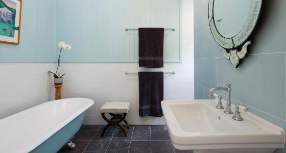Bathroom renovation in a Mitchelton home by Placemate architects